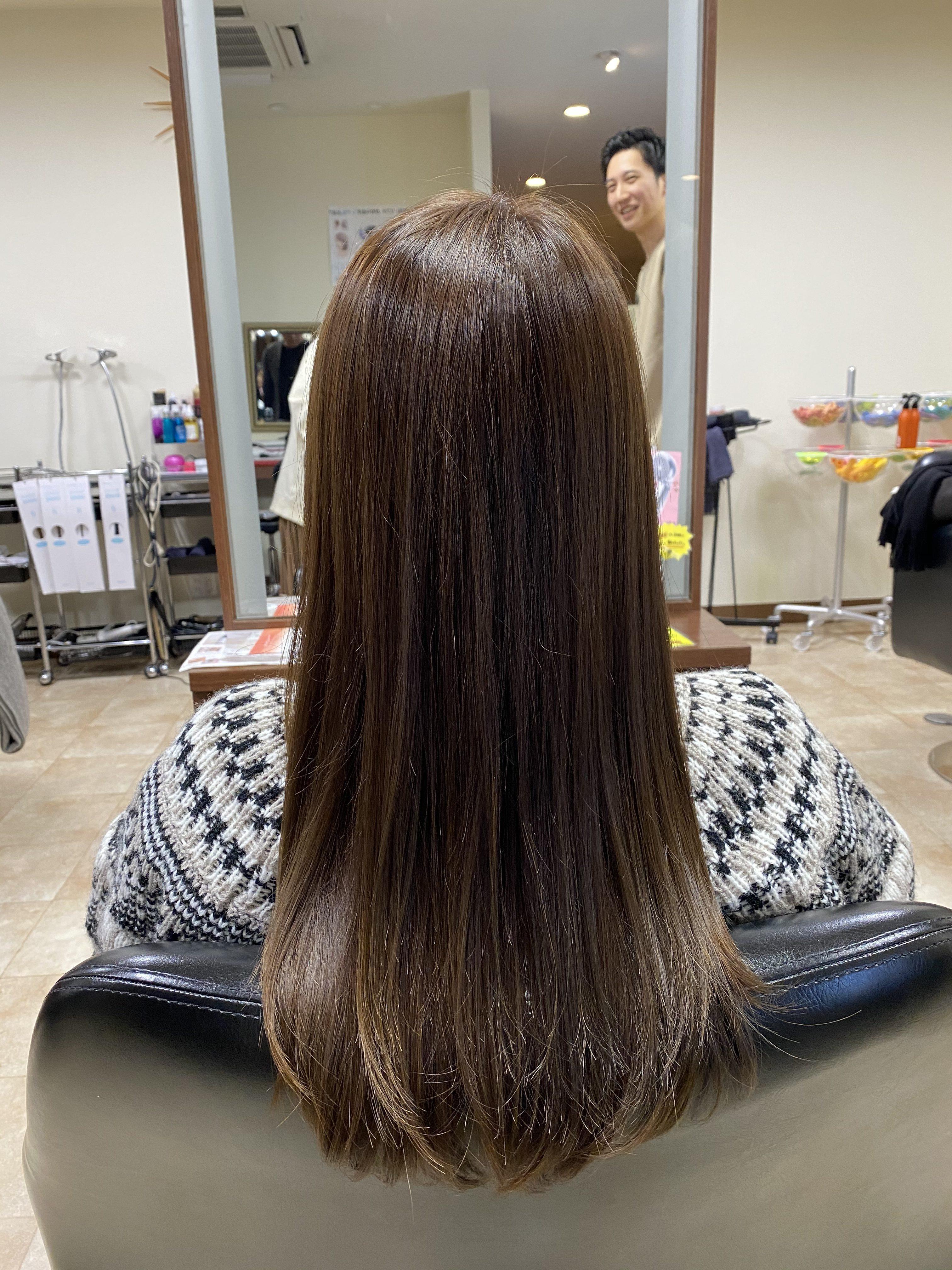 広島県廿日市市にある美容室プロッソル廿日市店で髪のダメージ、肌荒れ改善が出来る魔法の水ヤクジョスイで日頃の肌の悩み髪の悩みも解決できます。