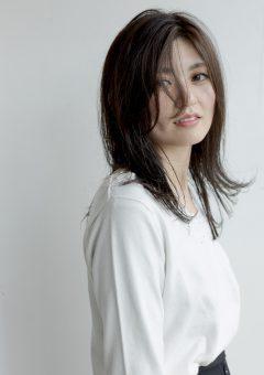 広島県廿日市市にある美容院美容室美容師プロッソル廿日市店ディレクターの寺岡が撮影会でイルミナカラーやアディクシーカラーを使って撮影しました。